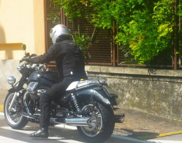 moto-guzzi-california-1400-03.jpg_2000